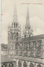 VINTAGE POSTCARD - BLACK & WHITE POSTCARD OF BAYONNE CATHEDRAL - FRANCE