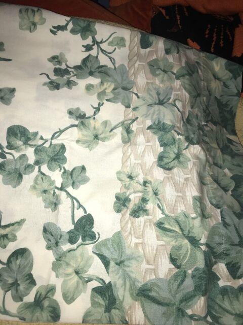 Springmaid Pair Of Standard Ivy Vine Pillowcases 50/50 Blend Fabric Bedding Lin