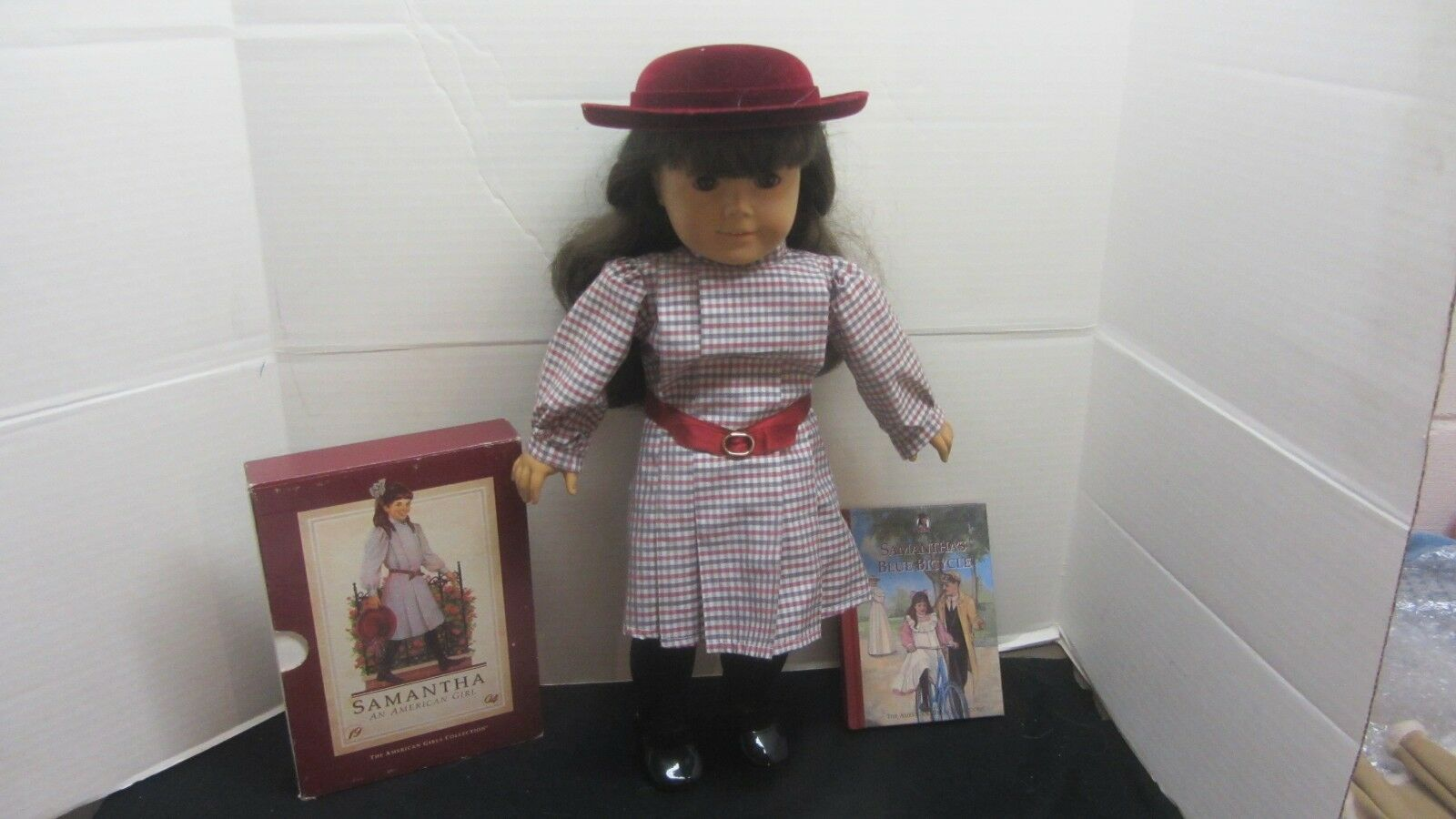 AMERICAN GIRL PLEASANT COMPANY SAMANTHA DOLL WITH BOOKS