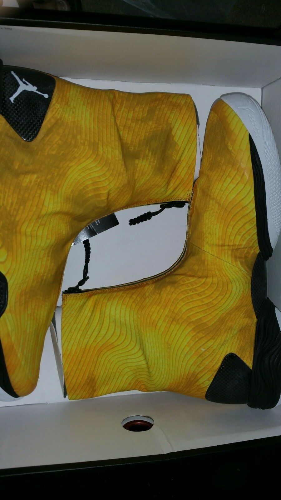 Air jordan xx8 size 13 true yellow