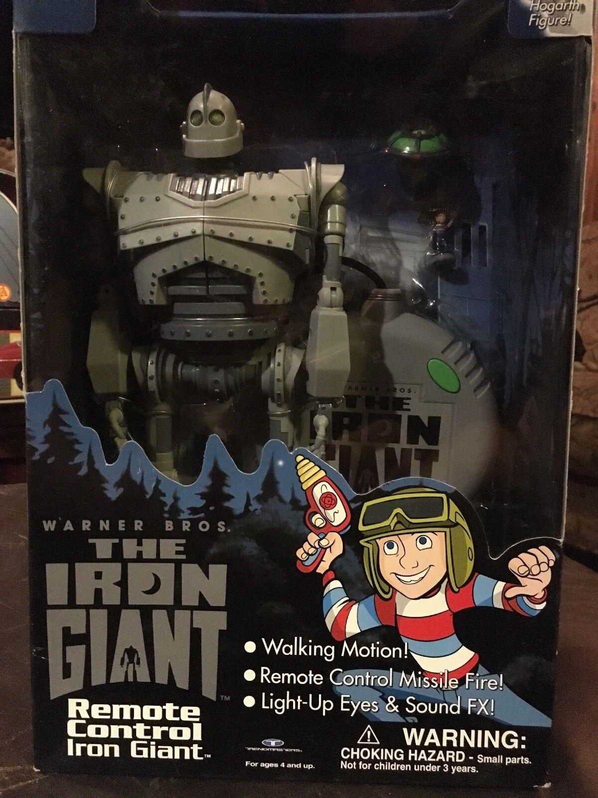 Brand nouveau Iron Giant Télécomhommede Trendmasters Comme neuf IN  BOX en marchant, lumière-Up FX Robot  le meilleur service après-vente