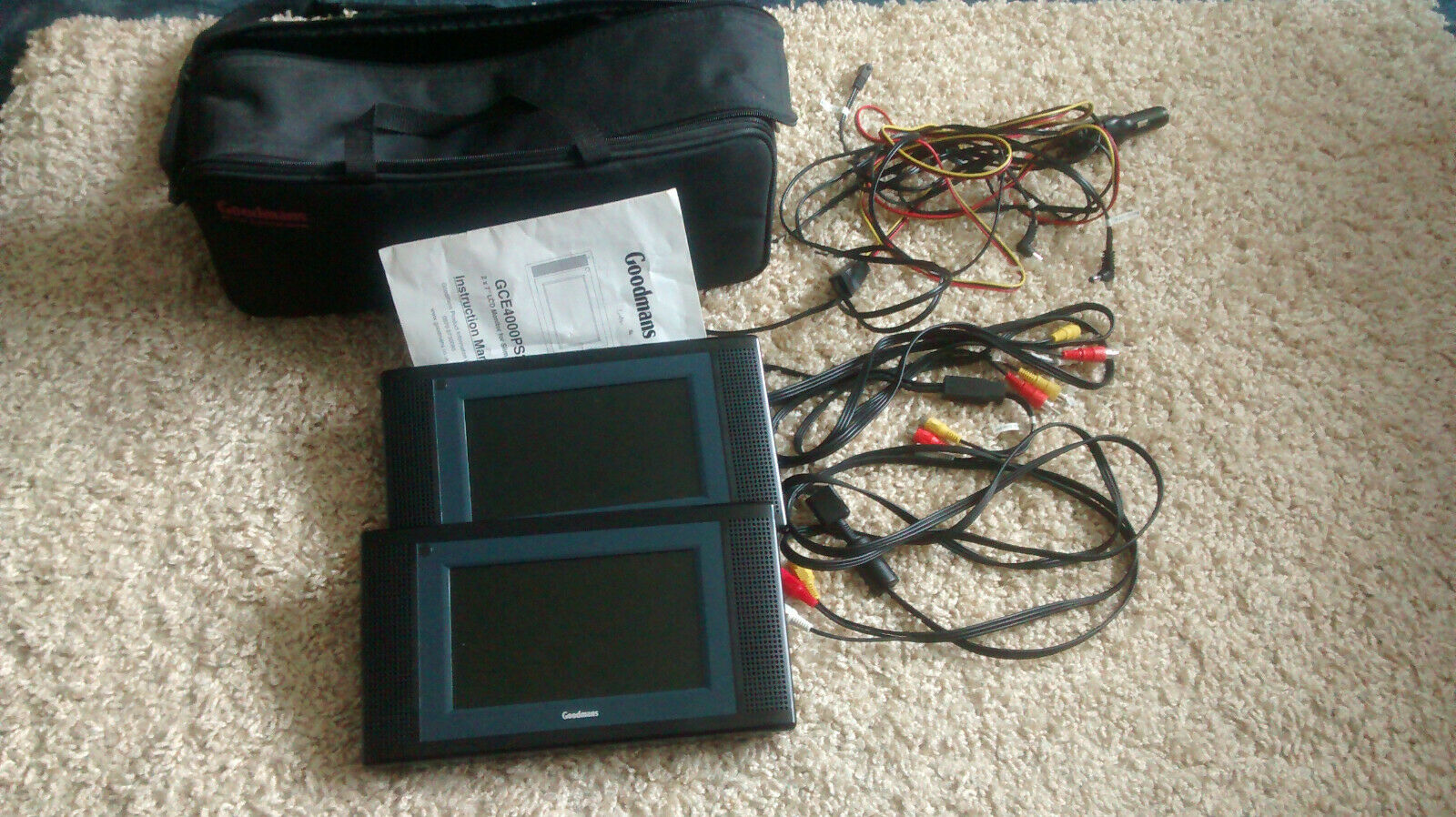 2 Goodmans PS2 Portable 6 inch LCD Monitor + 2 Controllers + Carry Case