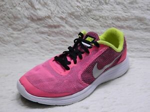 innovative design bf5c5 d8d9e Image is loading Nike-Revolution-3-Girls-Youth-Size-5-5Y-