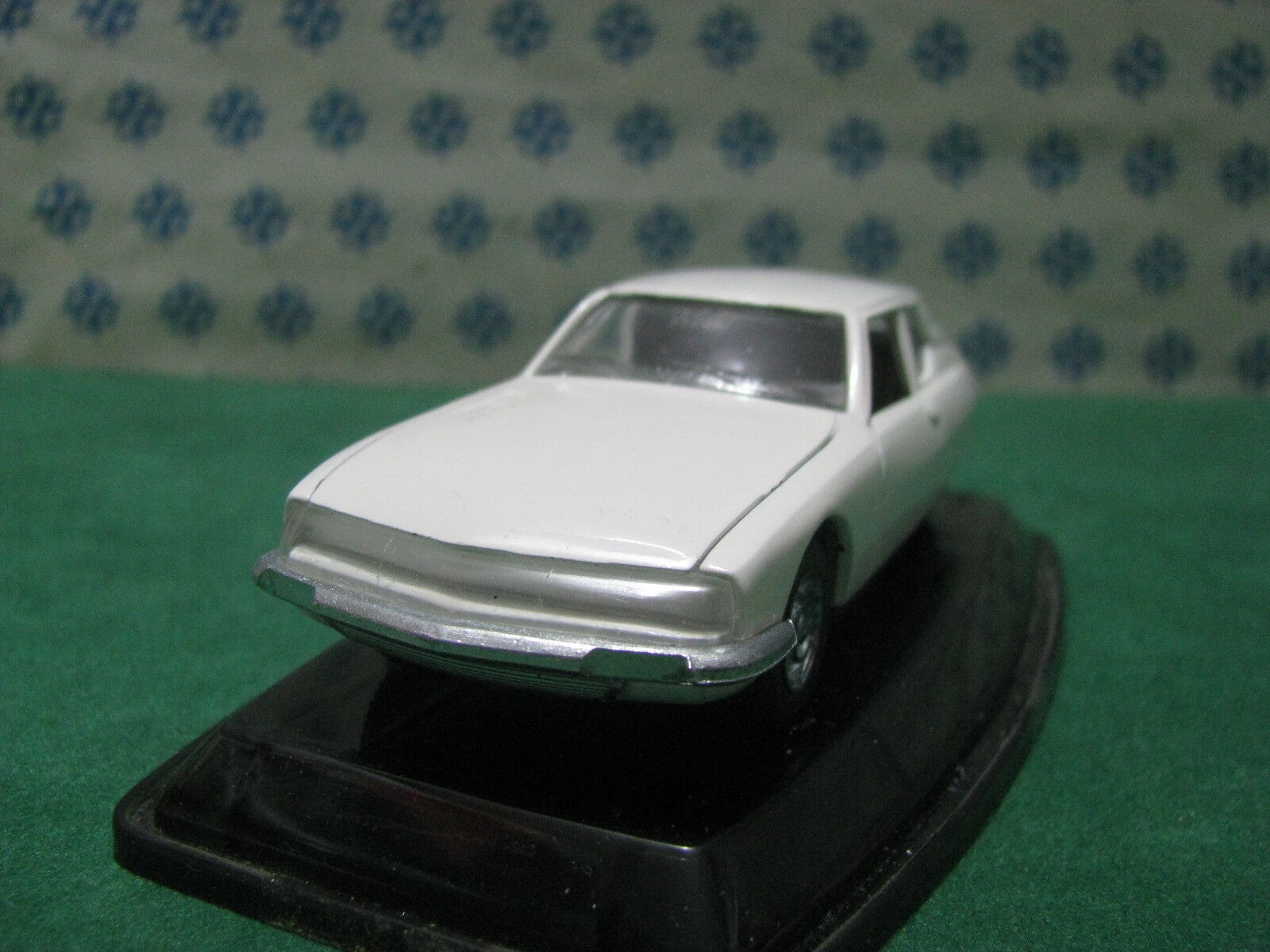 Vintage  -   CITROEN  SM     -  1 43  Auto-Pilen      Mint in Box