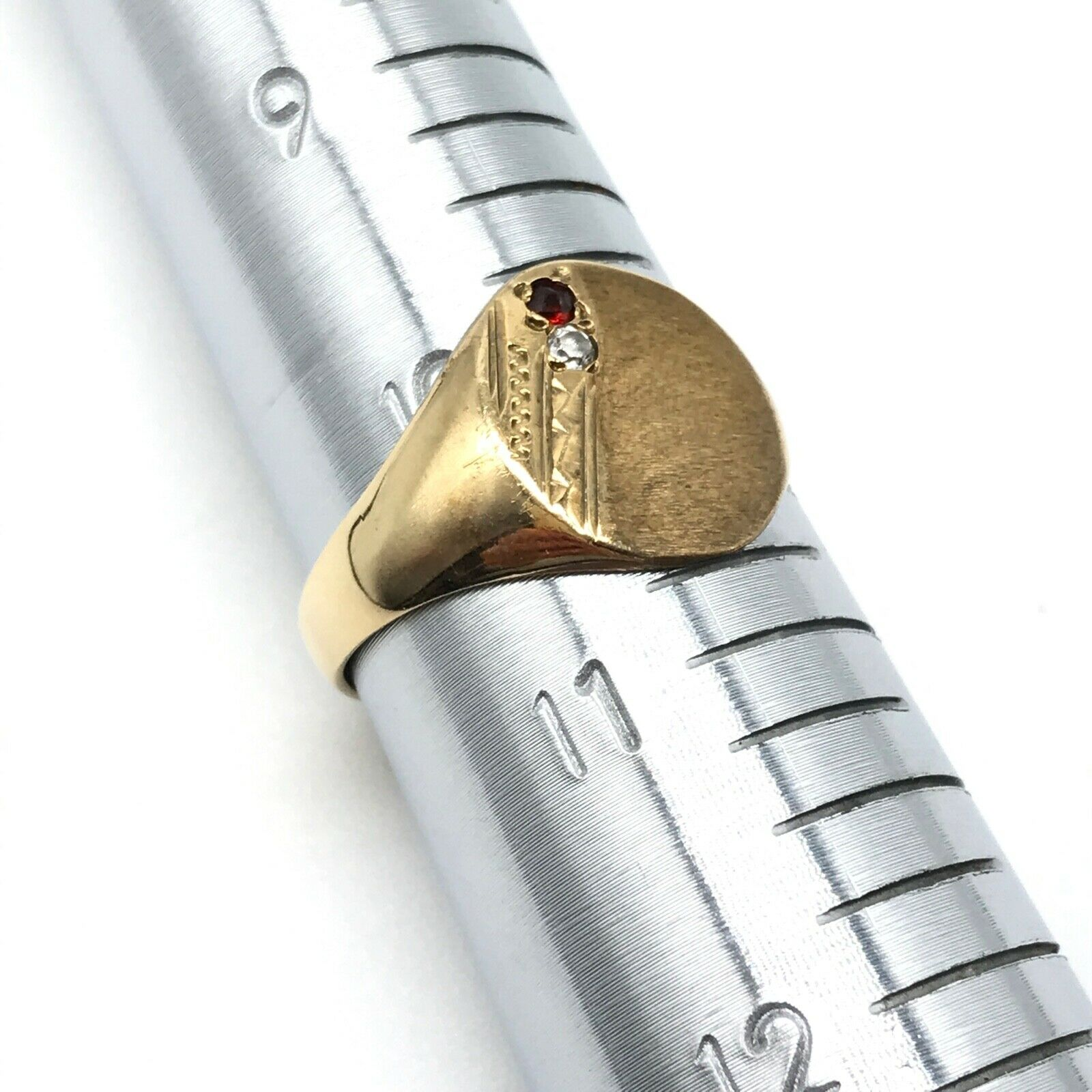 9k Yellow Gold Men's Vintage Garnet CZ Signet Ban… - image 2