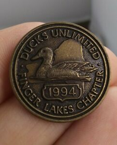 Vintage-DUCKS-UNLIMITED-Finger-Lakes-New-York-1994-pinback-button-pin-EE94