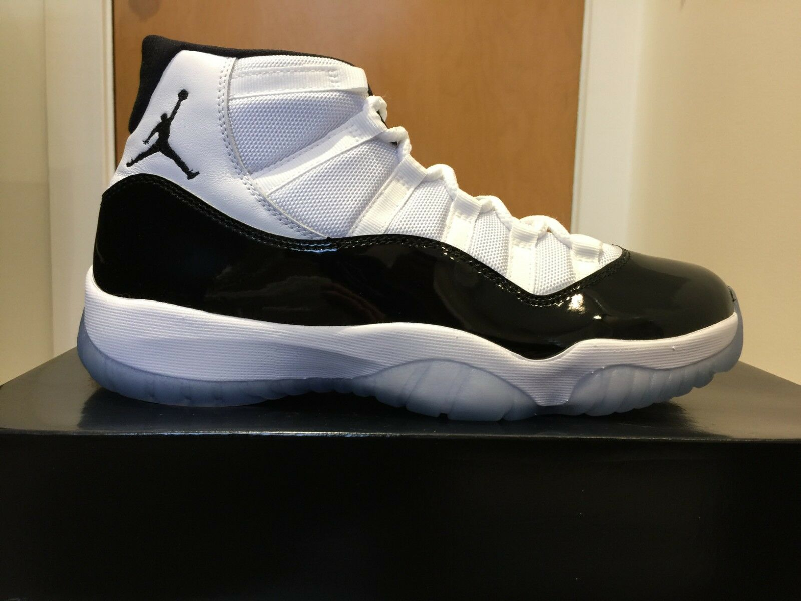 Nike Air Jordan 11 Retro Concords (378037 100) SZ 9.5