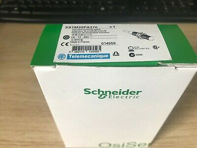 XS4P30PA340 1PC NEW Schneider  proximity switch