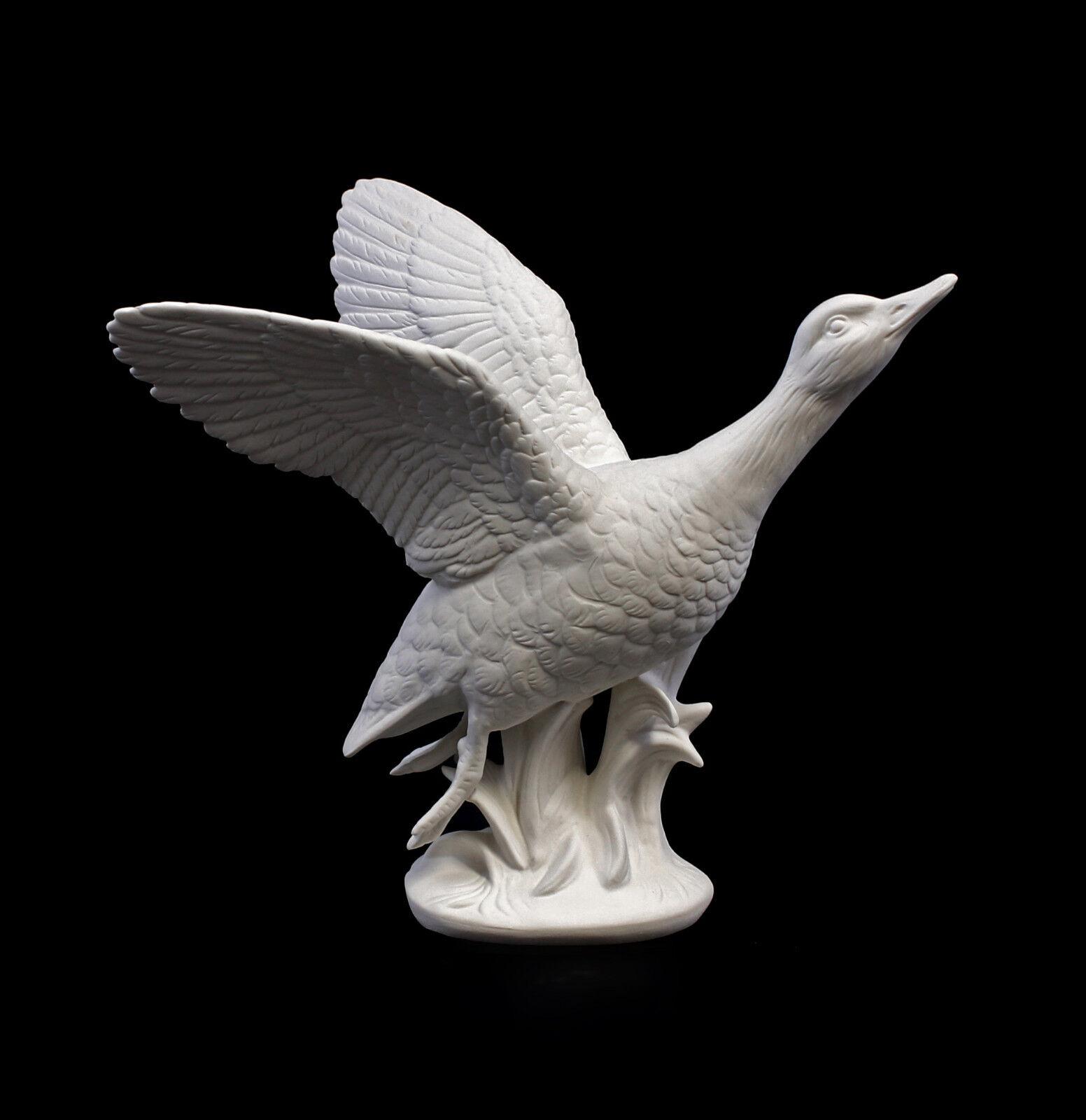 9959280 Porzellan Figur Ente fliegend weiß bisquit Ens H16cm