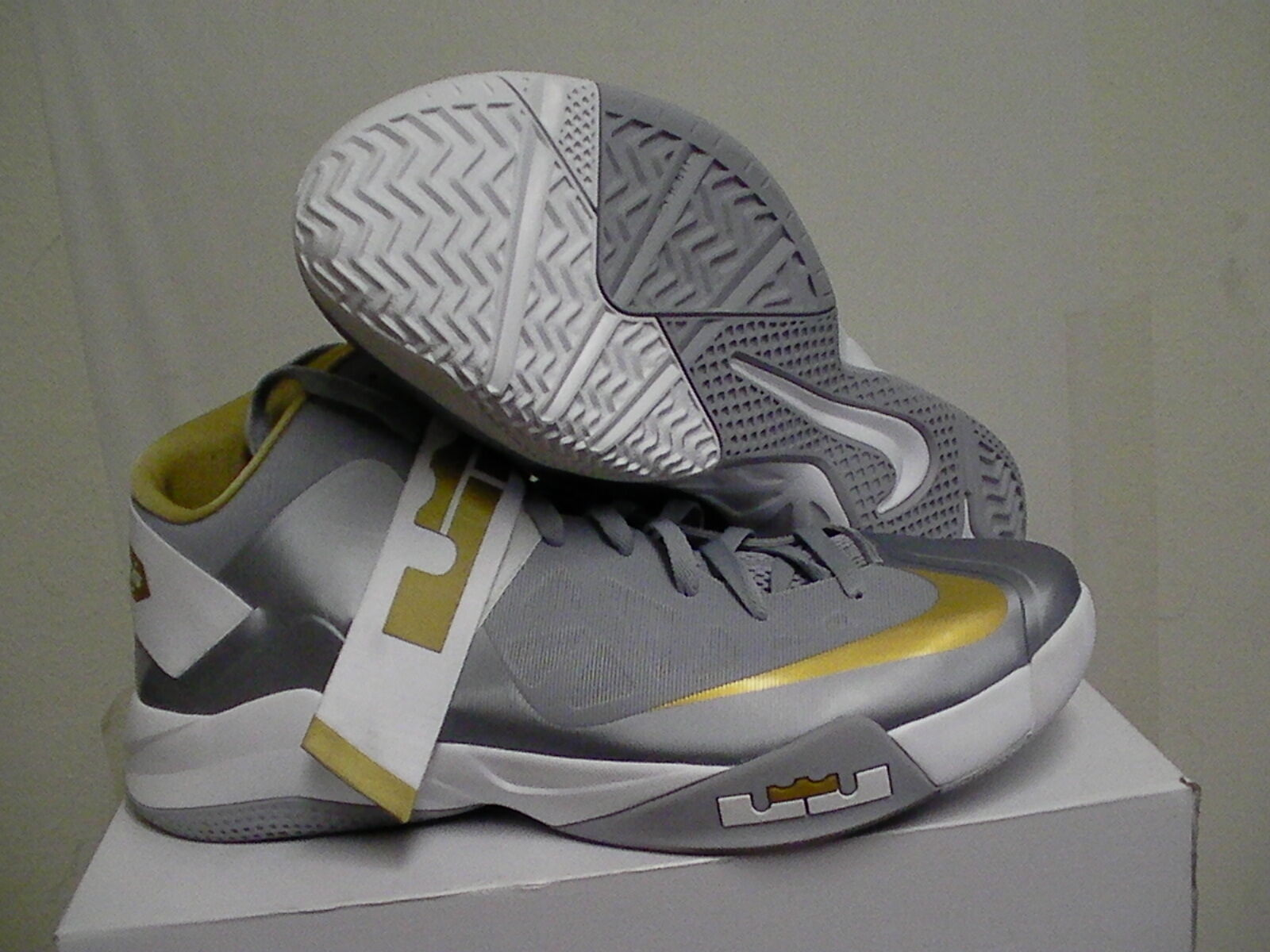 NIKE ZOOM LEBRON JAMES SOLDIER SOLDIER JAMES VI TB Taille 11.5 Gris,gold 39b1c7