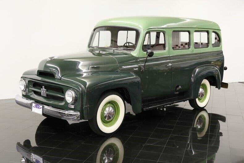 1953 International Travelall R-110