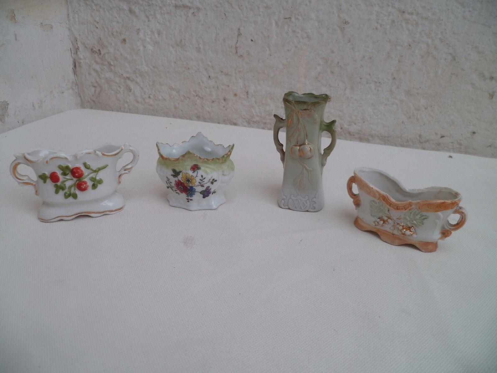 4 petits Vases de de de Mariés de Poupées en Porcelaine de Paris et biscuit XIXème 50b31b