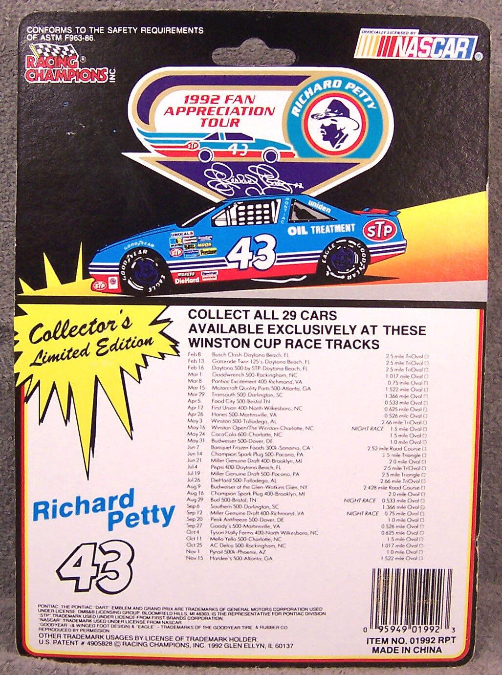 RACING CHAMPIONS CHAMPIONS CHAMPIONS  RICHARD PETTY  1992 FAN TOUR  DAYTONA PEPSI 400  1 64 35f4de