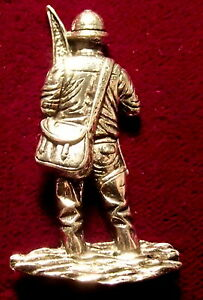 Wildlife-Pewter-Salmon-Angler-Game-Fishing-Brooch-Pin-Signed