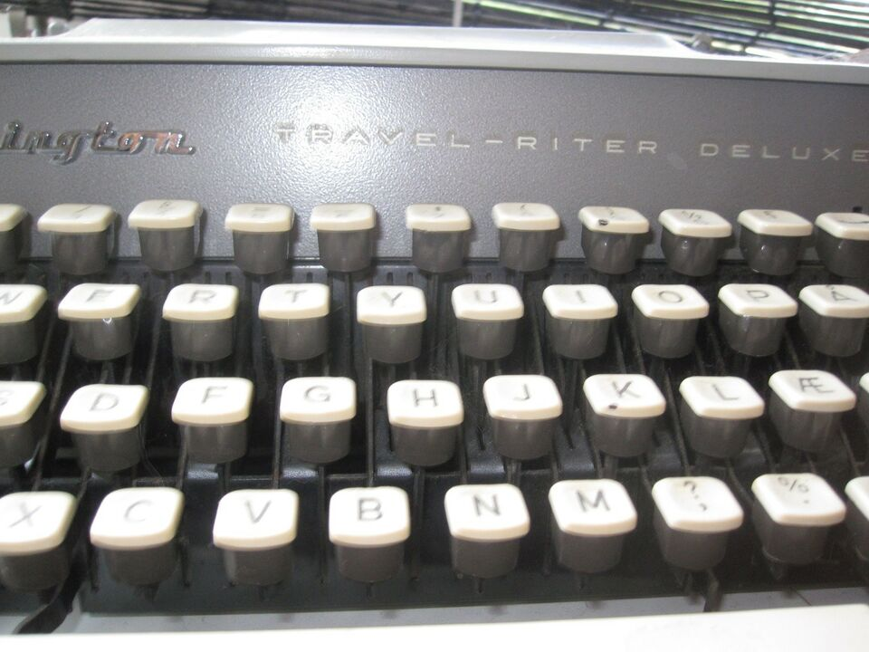 Skrivemaskine, Remington travel-riter deluxe