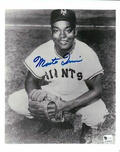 Monte-Irvin-Signed-8X10-Photo-Autograph-New-York-Giants-Posing-w-Glove-GAI-COA