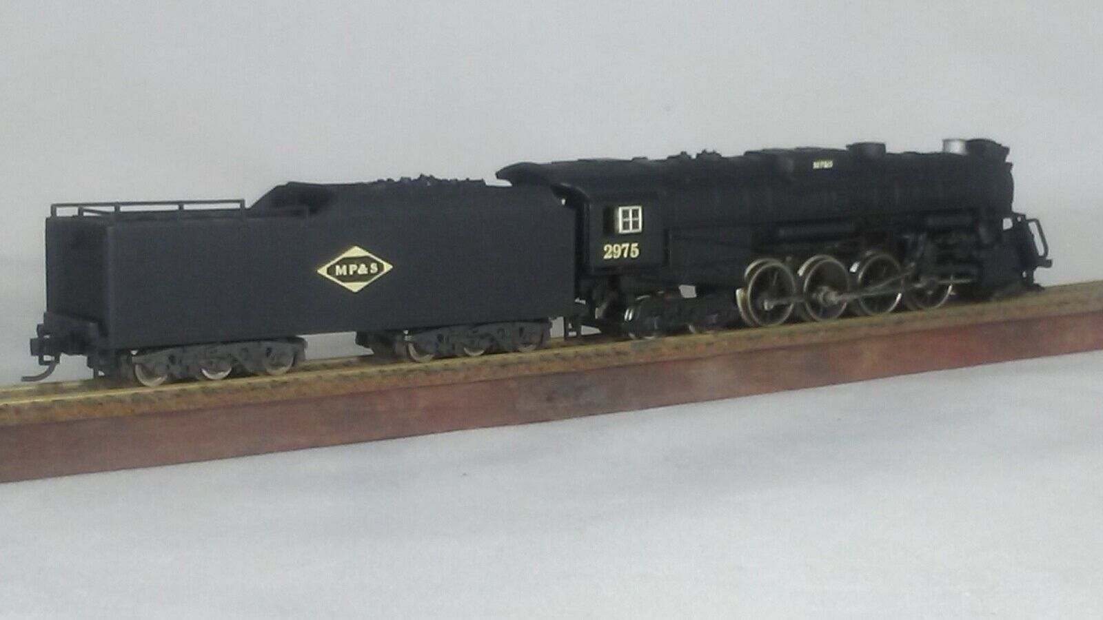 Model Railroad N Scale Steam Locomotive with Tender