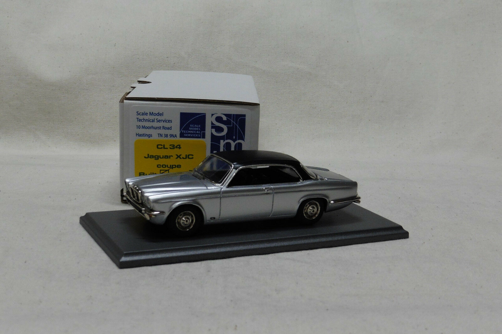 1/43 CL34 Jaguar XJC plata por SMTS