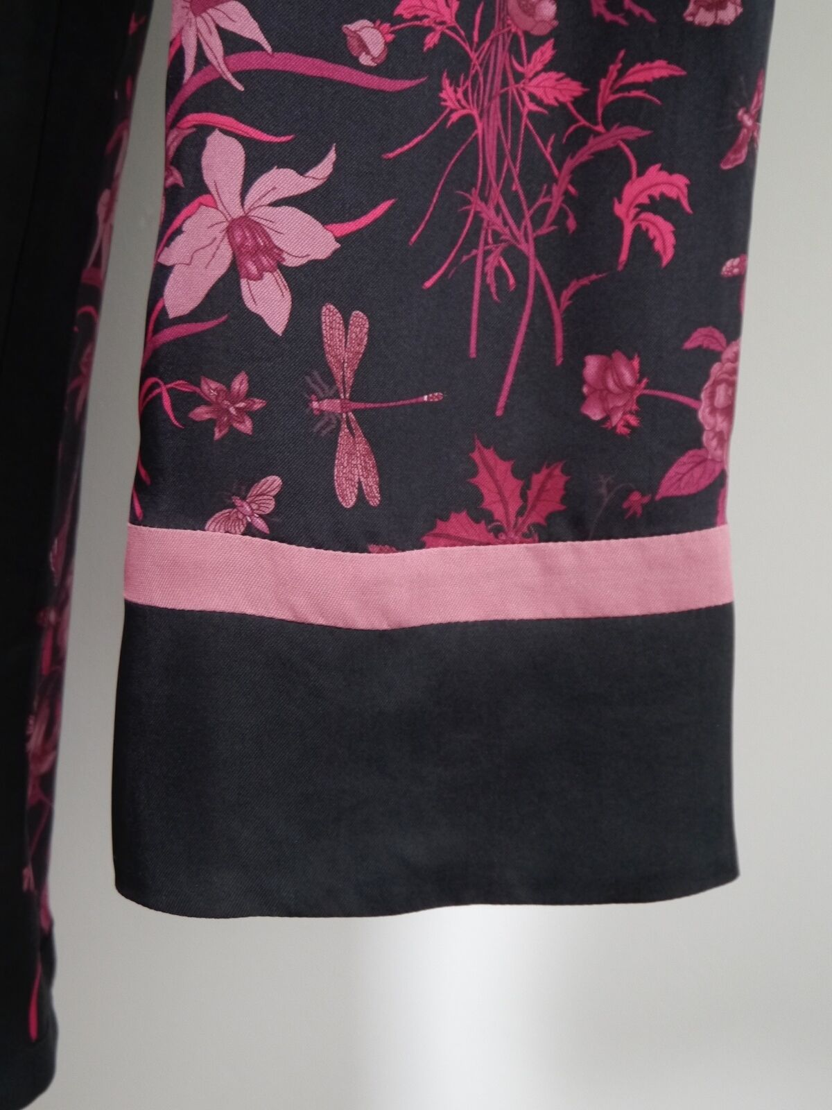 GUCCI black burgundy floral butterfly print silk … - image 6