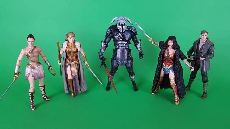 DC COMICS MULTIVERSE ARES (BAF) set completo