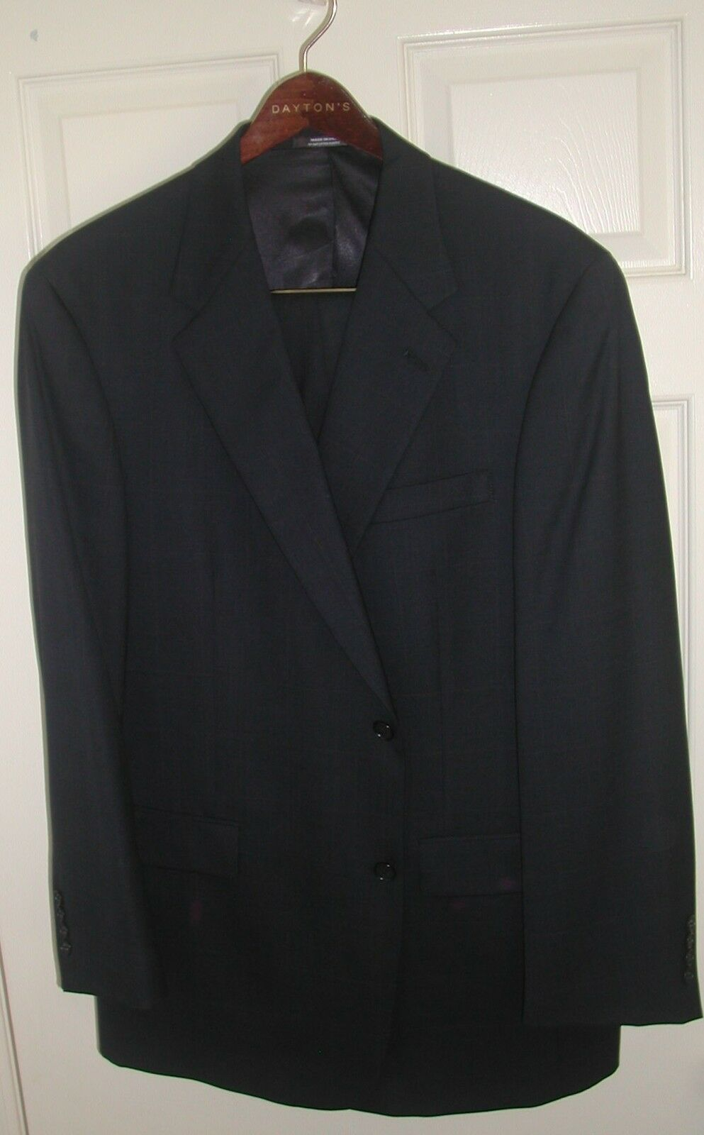 NEW AUSTIN REED NAVY 2 PIECE SUIT, 44R STYLE AND SOPHISTICATION  - FREE SHIPPING