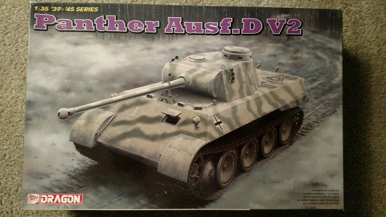 Dragon PANTHER Ausf.D V2 Tank Kit  1 35 Scale