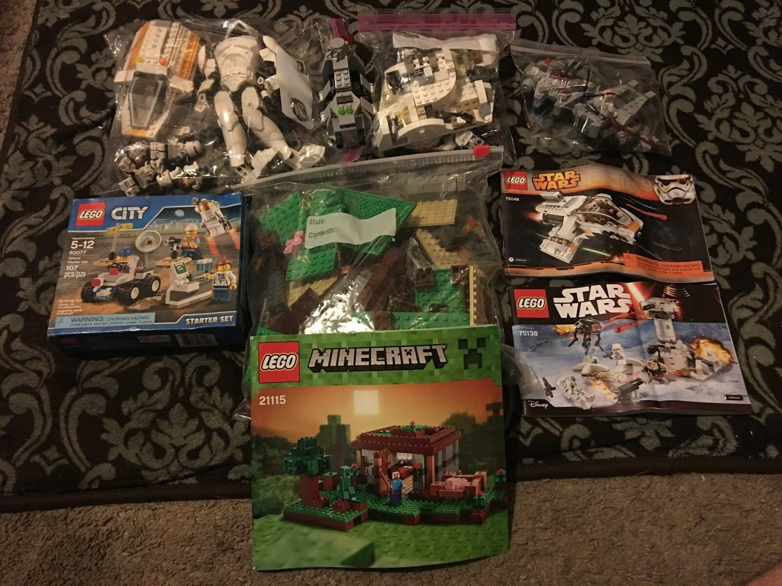 Lot de 5 LEGO Sets, Star Wars  Minecraft Ville  cherche agent commercial
