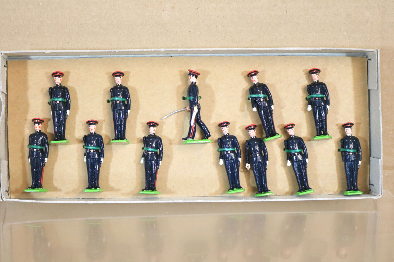 LITTLE WARS 190 WWII ROYAL ARMY ORDNANCE CORPS at ATTENTION 1939 nj