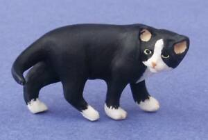 Miniature Dollhouse Gray Cat Looking Back 1:12 Scale New