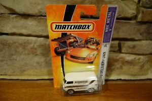 2006-Matchbox-Ready-For-Action-MBX-Metal-31-VW-Delivery-Van-k2604-0910