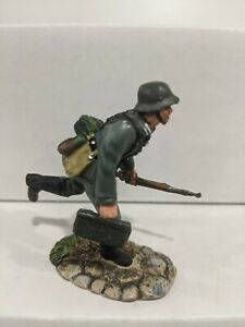 Conte-WWII-German-Soldier-Pewter-Figure-No-Box-E