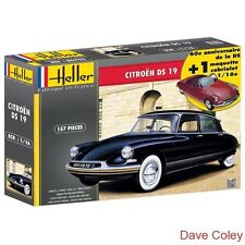 Heller 85795 1:16th scale Citroen DS 19 60th Anniversary model 2 kits in 1 box