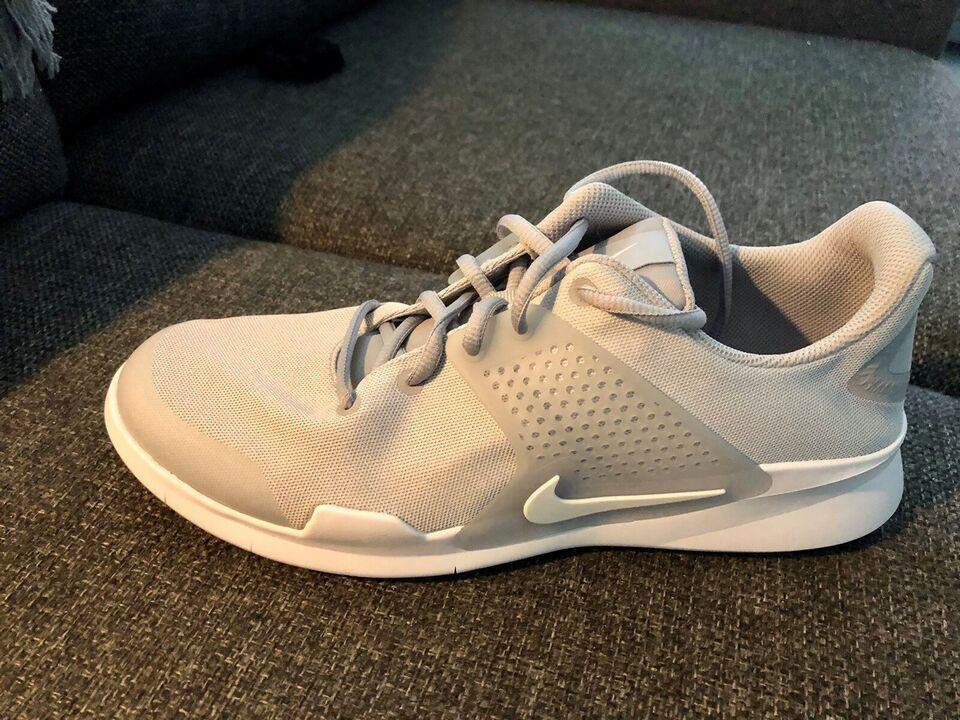 Løbesko, Helt nye løbe- fritids sko/ sneakers, Nike