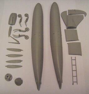 GMAA3229-1-32-SPITFIRE-MkVB-FLOATPLANE-CONVERSION-HASEGAWA-REVELL-WARBIRDS