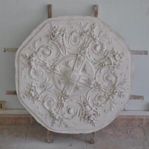 Moule-ancien-d-039-atelier-de-platrier-staffeur-Rosace-Louis-XV