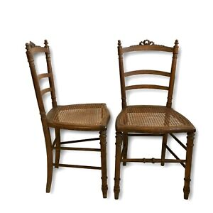 Paire-de-chaise-Louis-XVI-assise-cannee