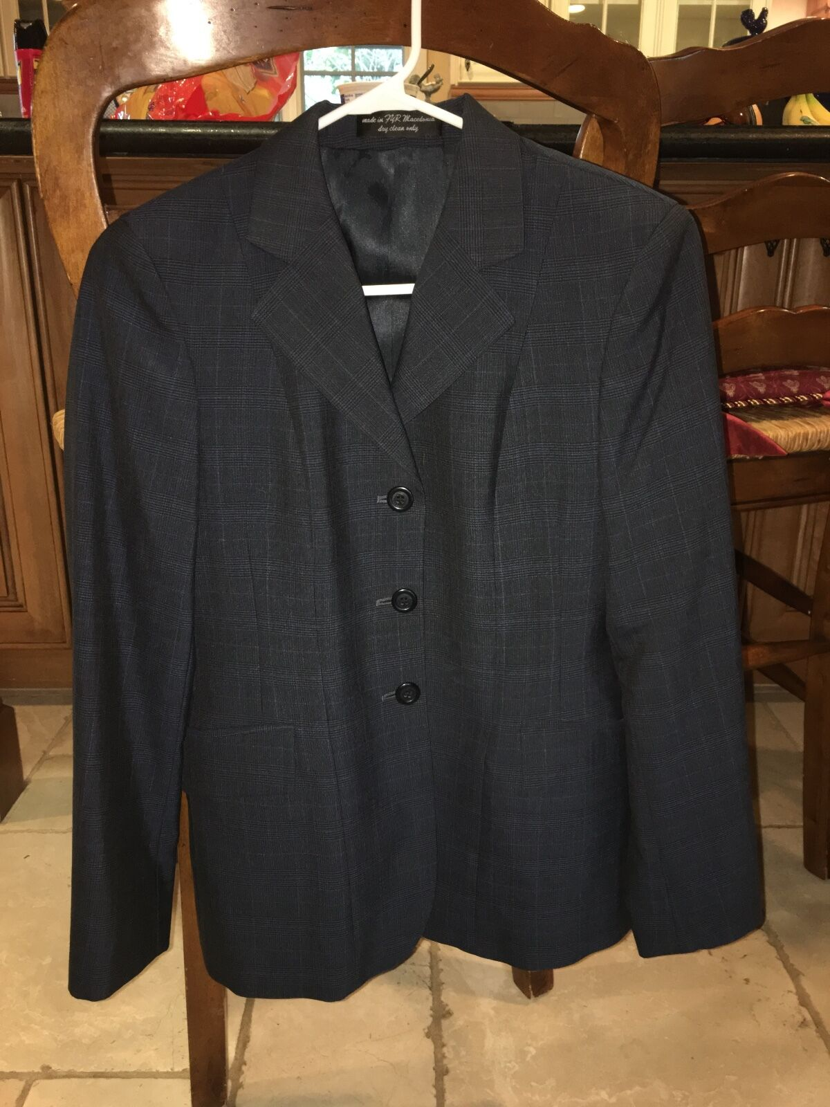 R.J.  Classic Essential Collection Hunt Coat (Size 0R)  enjoy saving 30-50% off