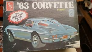 Amt-63-Corvette-Split-Window