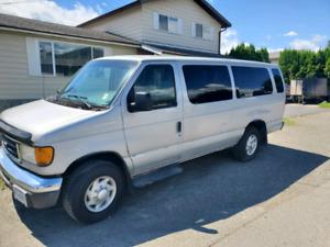 2005 ford e 350 15 passenger van