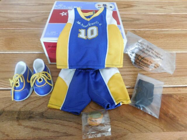 AMERICAN GIRL TRULY ME DOLL BASKETBALL OUTFIT TOP SHORTS BALL SHOES RETIRED NEW