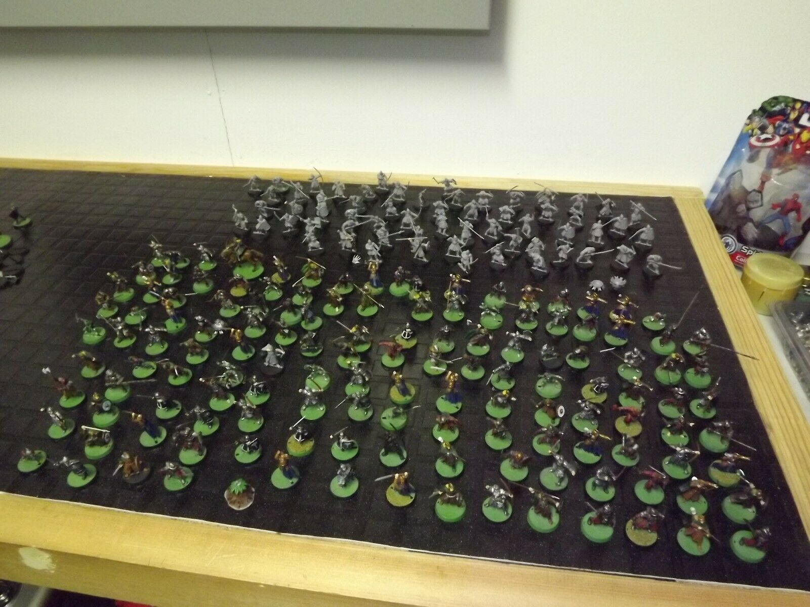 200 x Warhammer plastic Lord Lord Of The Rings  Figures  Painted    unpainted