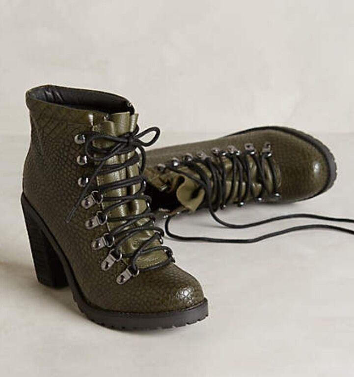 NIB Anthropologie SOLES FUTURE FUTURE FUTURE TOLD Mustang Booties Lace Up Pebbled 8 13836e