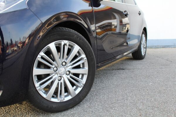 Peugeot 208 1,6 BlueHDi 100 Selection Sky - billede 3