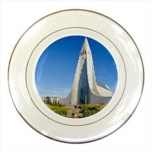 Hallgrimskirkja Reykjavik Iceland Porcelain Plate w// Display Stand