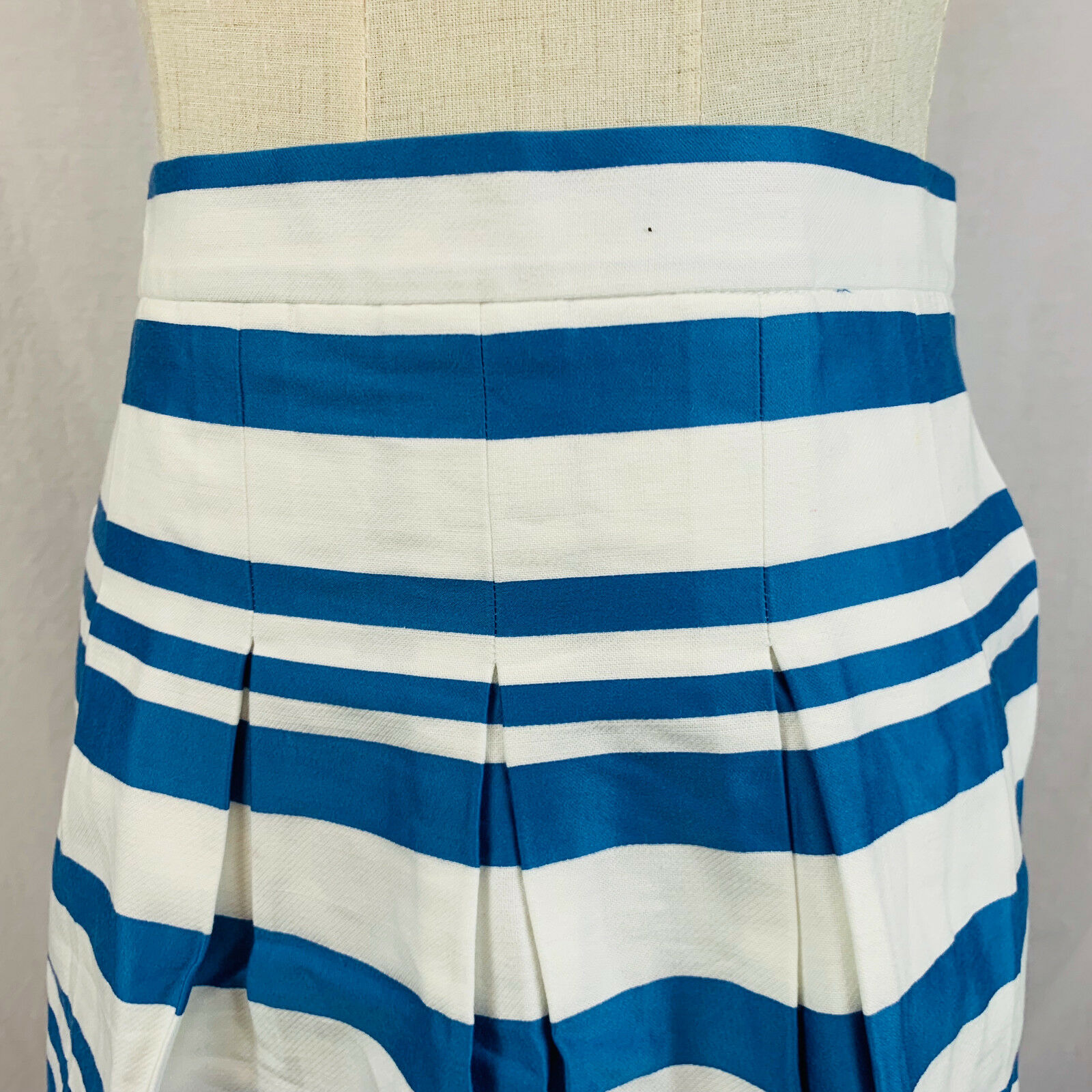 Ann Taylor Loft Petite Size 00 bluee Stripe Skirt Pleated Zip Closure Lined New