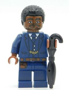 Lego Minifigure Businesses person with umbrella