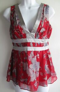 ARDEN B. NWT $78 GRAY & RED FLORAL SILK SEXY PLUNGING V-NECK TOP SZ S