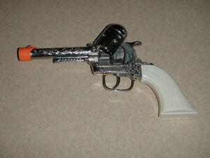 Vintage Cowboy Western Toy Cap Pistol Metal With Plastic Grips
