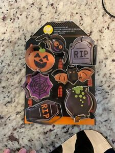 2308-0999-Wilton-Halloween-Haunted-House-7-Piece-Cookie-Cutter-Set