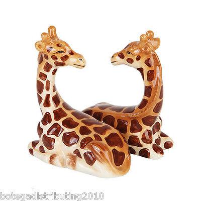 Ceramic Giraffes Salt and Pepper Shaker Set Zoo Animals Zafari Magnetic Saleros